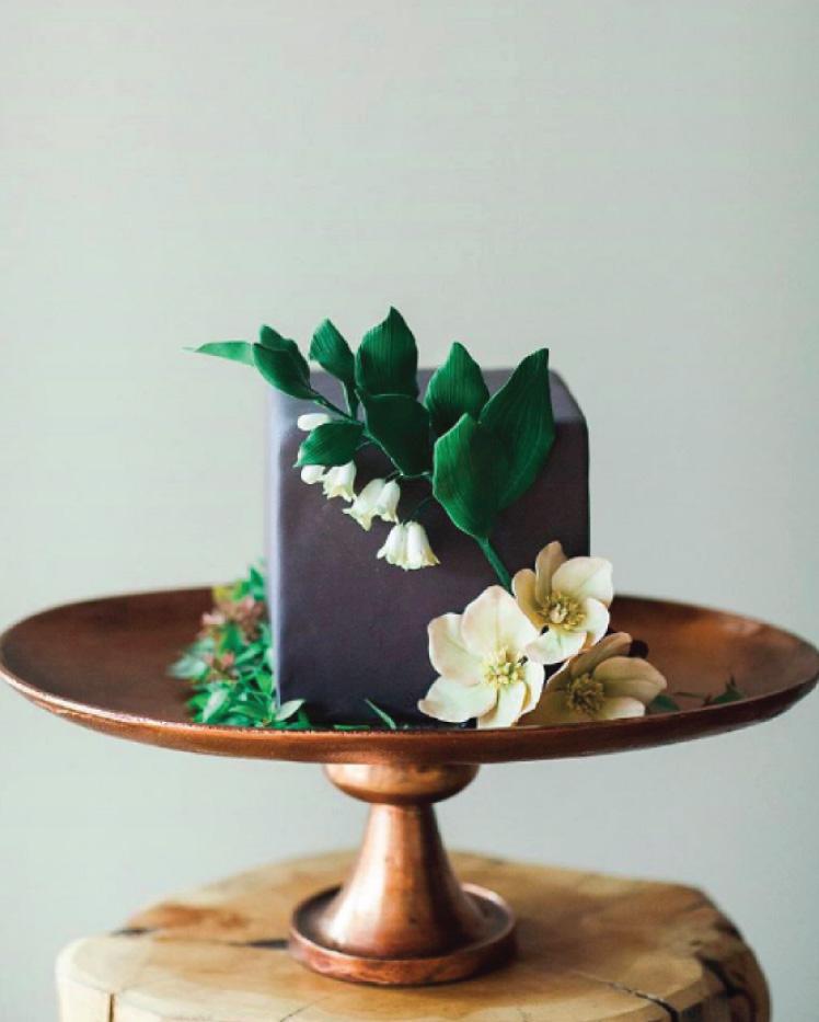 Modern Wedding Cakes: Flour & Flourish